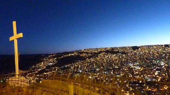La Paz by night